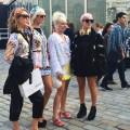 Street Styles @ London Fashion Week – Faune bigarrée chez Burberry et Giles
