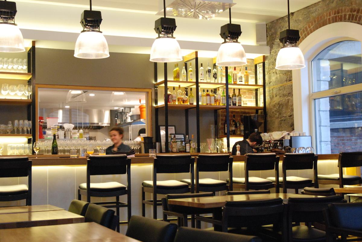 restaurant H4C 11