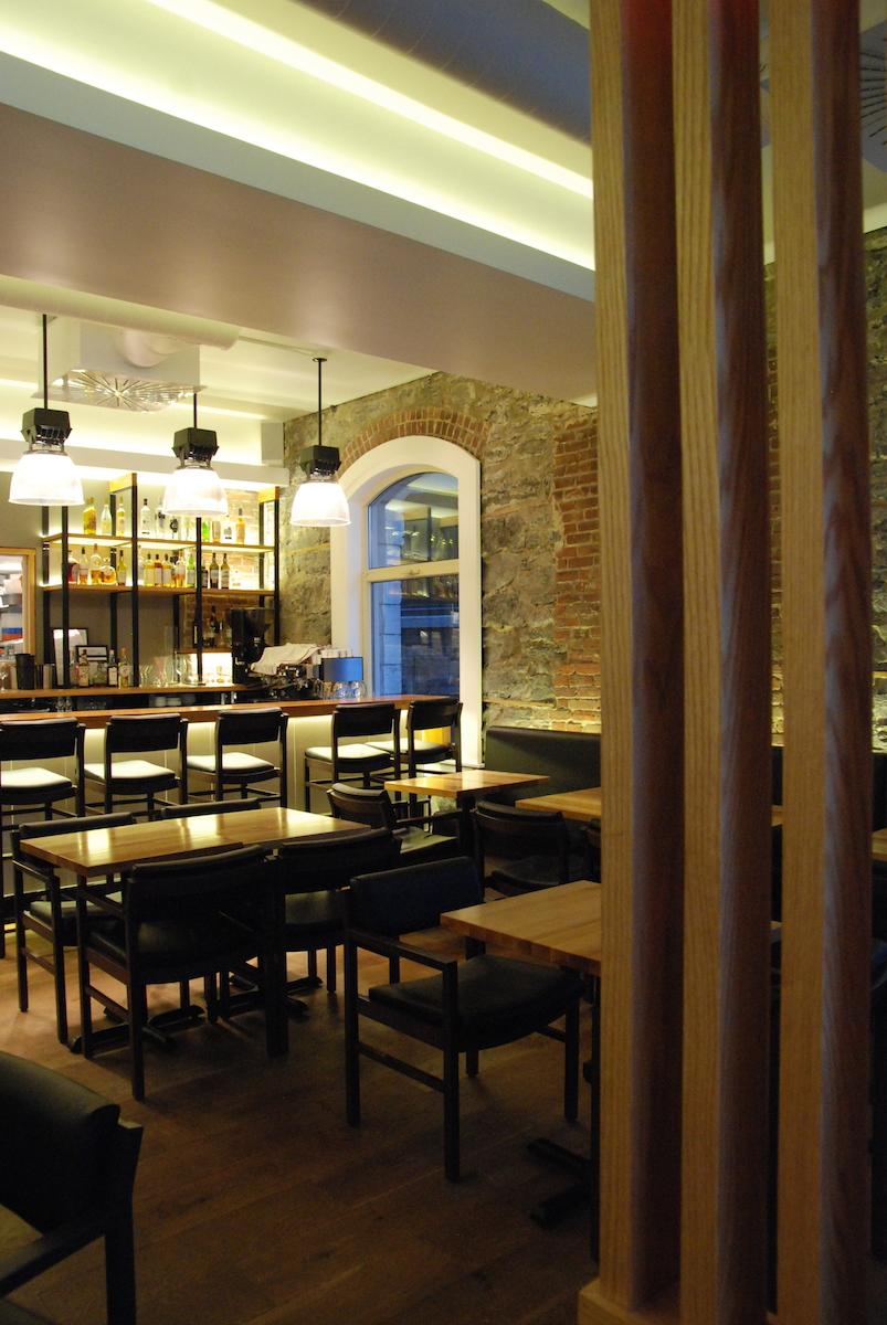 restaurant H4C 12