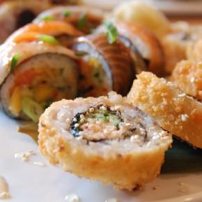 Sushi Taxi - Réinventer l'art du sushi + une création saumonée signée Querelles!