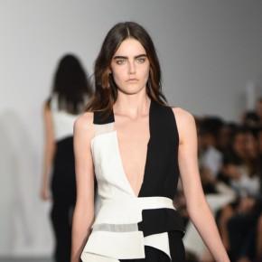 London Fashion Week - Jean-Pierre Braganza SS2016 : femme fatale qui fouette
