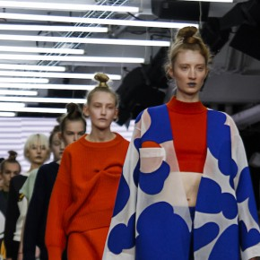 London Fashion Week - Yii SS16 : excentricité bambine