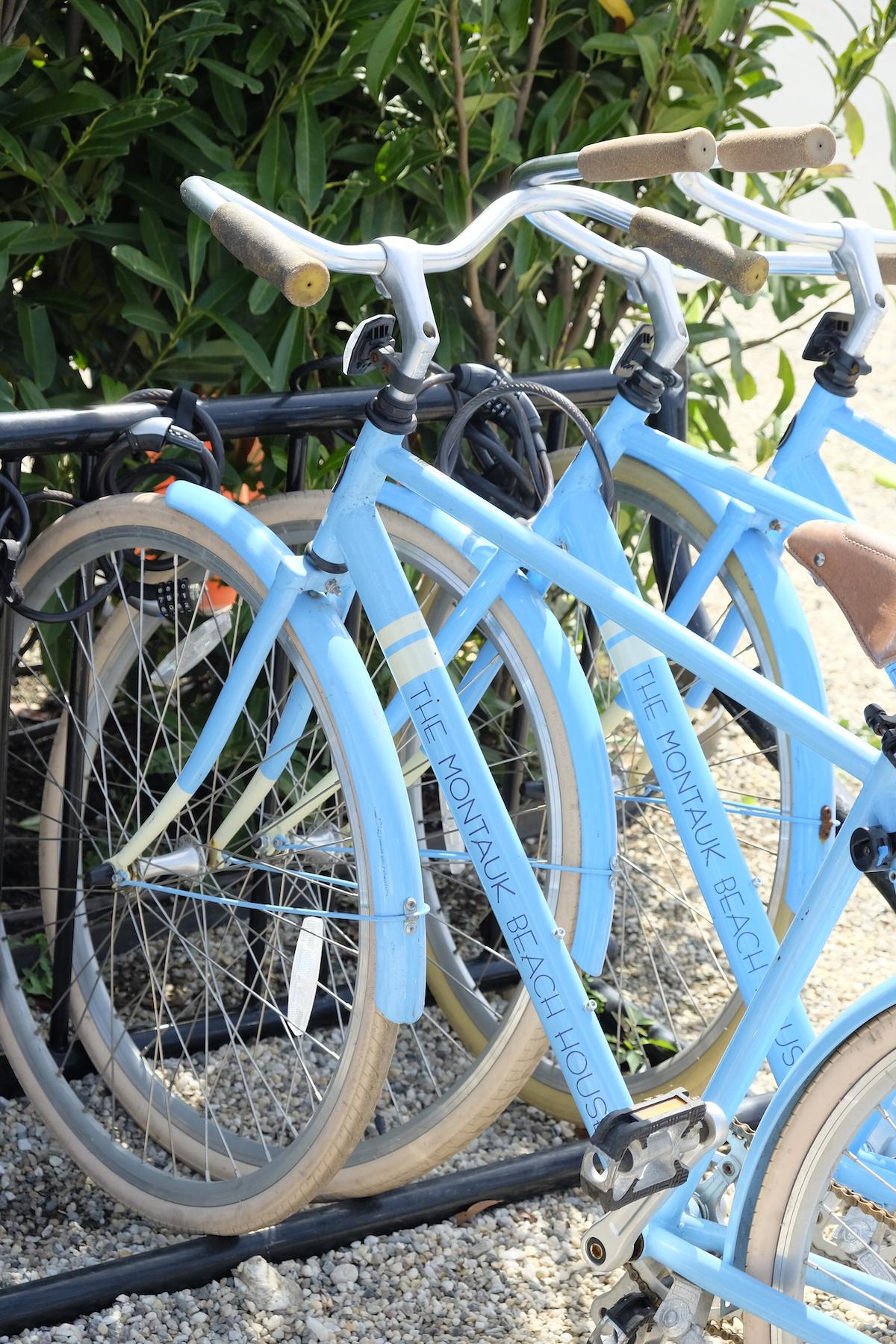 Hamptons_MontaukBeachHouse_Querelles_bicyclette