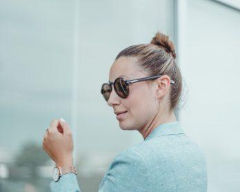 Look – Comment porter un tailleur en été?